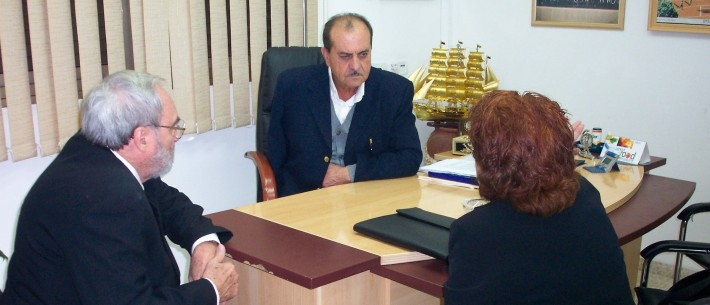 Yisrayl Hawkins in a meeting in Isreal